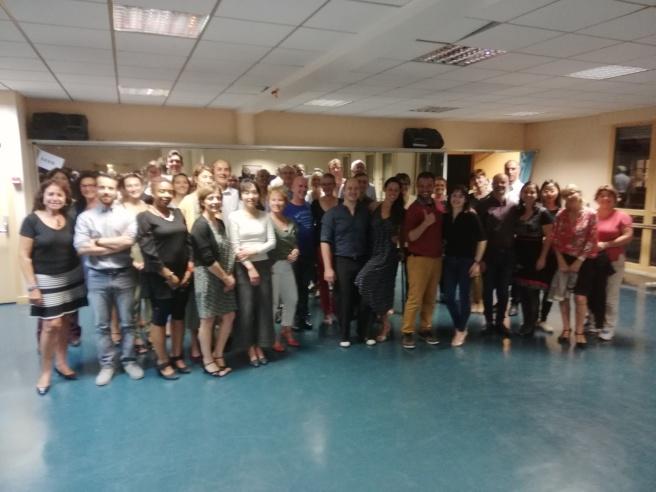 montrer le groupe de cours de tango argentin à versailles
